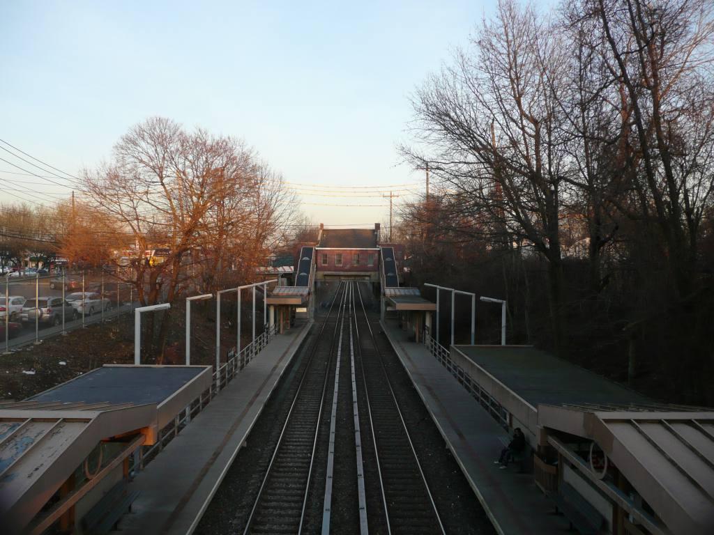 (120k, 1024x768)<br><b>Country:</b> United States<br><b>City:</b> New York<br><b>System:</b> New York City Transit<br><b>Line:</b> SIRT<br><b>Location:</b> Annadale <br><b>Photo by:</b> Robbie Rosenfeld<br><b>Date:</b> 1/21/2010<br><b>Viewed (this week/total):</b> 0 / 773