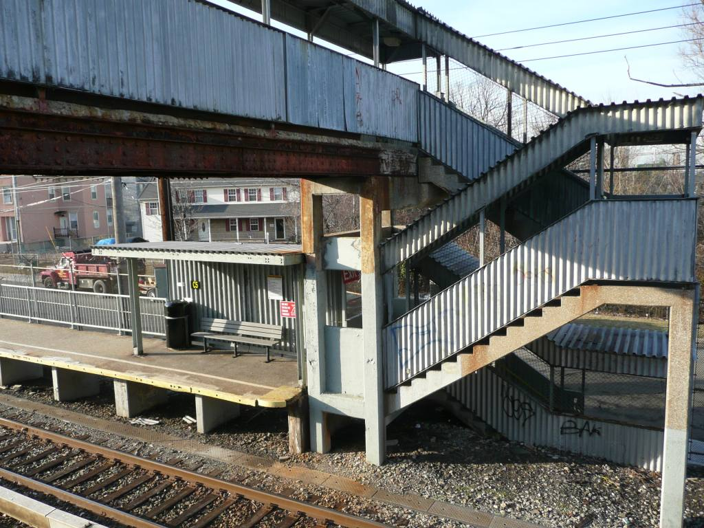 (177k, 1024x768)<br><b>Country:</b> United States<br><b>City:</b> New York<br><b>System:</b> New York City Transit<br><b>Line:</b> SIRT<br><b>Location:</b> Atlantic <br><b>Photo by:</b> Robbie Rosenfeld<br><b>Date:</b> 1/21/2010<br><b>Viewed (this week/total):</b> 0 / 706