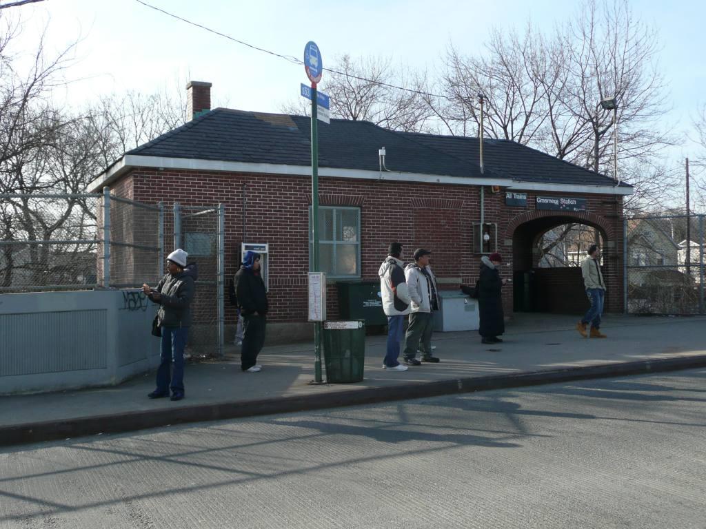 (154k, 1024x768)<br><b>Country:</b> United States<br><b>City:</b> New York<br><b>System:</b> New York City Transit<br><b>Line:</b> SIRT<br><b>Location:</b> Grasmere <br><b>Photo by:</b> Robbie Rosenfeld<br><b>Date:</b> 1/21/2010<br><b>Viewed (this week/total):</b> 0 / 1066