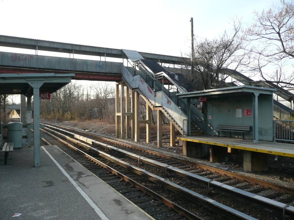 (155k, 1024x768)<br><b>Country:</b> United States<br><b>City:</b> New York<br><b>System:</b> New York City Transit<br><b>Line:</b> SIRT<br><b>Location:</b> Nassau <br><b>Photo by:</b> Robbie Rosenfeld<br><b>Date:</b> 1/21/2010<br><b>Viewed (this week/total):</b> 1 / 853