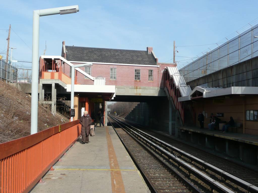 (125k, 1024x768)<br><b>Country:</b> United States<br><b>City:</b> New York<br><b>System:</b> New York City Transit<br><b>Line:</b> SIRT<br><b>Location:</b> New Dorp <br><b>Photo by:</b> Robbie Rosenfeld<br><b>Date:</b> 1/21/2010<br><b>Viewed (this week/total):</b> 0 / 756