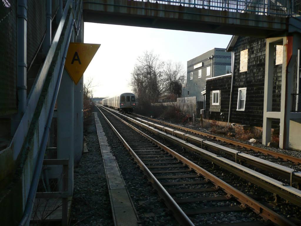 (114k, 1024x768)<br><b>Country:</b> United States<br><b>City:</b> New York<br><b>System:</b> New York City Transit<br><b>Line:</b> SIRT<br><b>Location:</b> Richmond Valley <br><b>Photo by:</b> Robbie Rosenfeld<br><b>Date:</b> 1/21/2010<br><b>Viewed (this week/total):</b> 0 / 595