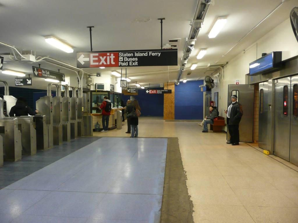 (103k, 1024x768)<br><b>Country:</b> United States<br><b>City:</b> New York<br><b>System:</b> New York City Transit<br><b>Line:</b> SIRT<br><b>Location:</b> St. George <br><b>Photo by:</b> Robbie Rosenfeld<br><b>Date:</b> 1/20/2010<br><b>Viewed (this week/total):</b> 0 / 1745