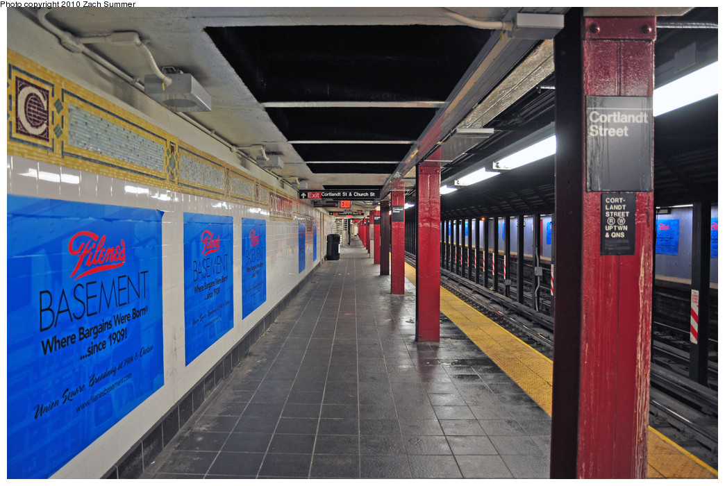 (268k, 1044x700)<br><b>Country:</b> United States<br><b>City:</b> New York<br><b>System:</b> New York City Transit<br><b>Line:</b> BMT Broadway Line<br><b>Location:</b> Cortlandt Street-World Trade Center <br><b>Photo by:</b> Zach Summer<br><b>Date:</b> 1/7/2010<br><b>Notes:</b> Uptown platform.<br><b>Viewed (this week/total):</b> 1 / 2192