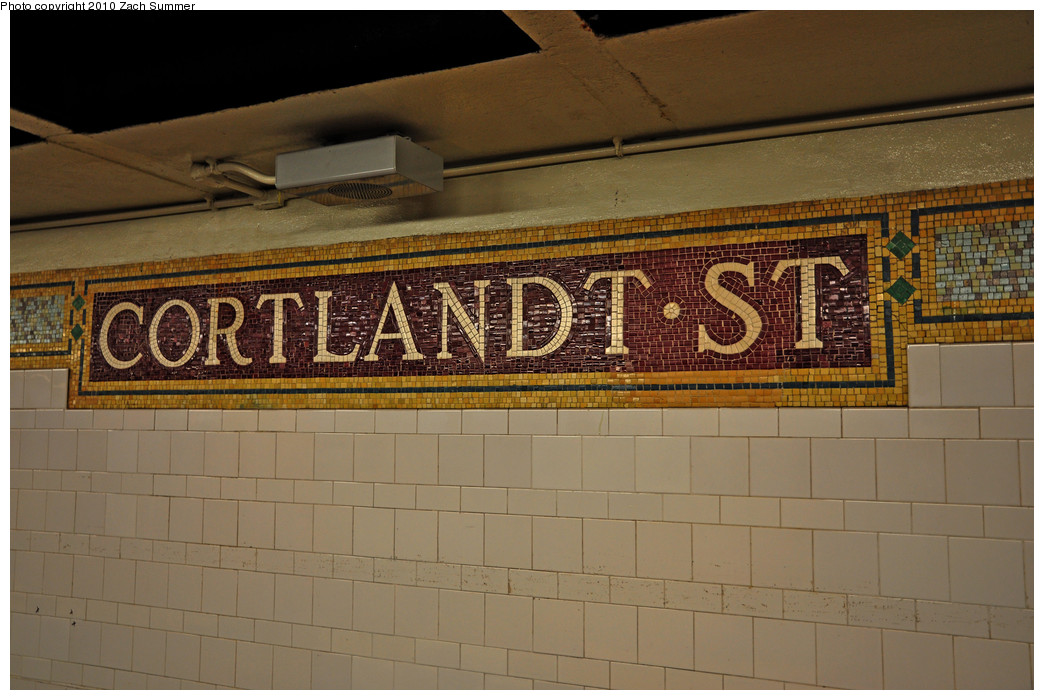 (240k, 1044x700)<br><b>Country:</b> United States<br><b>City:</b> New York<br><b>System:</b> New York City Transit<br><b>Line:</b> BMT Broadway Line<br><b>Location:</b> Cortlandt Street-World Trade Center <br><b>Photo by:</b> Zach Summer<br><b>Date:</b> 1/7/2010<br><b>Notes:</b> Uptown platform.<br><b>Viewed (this week/total):</b> 1 / 879