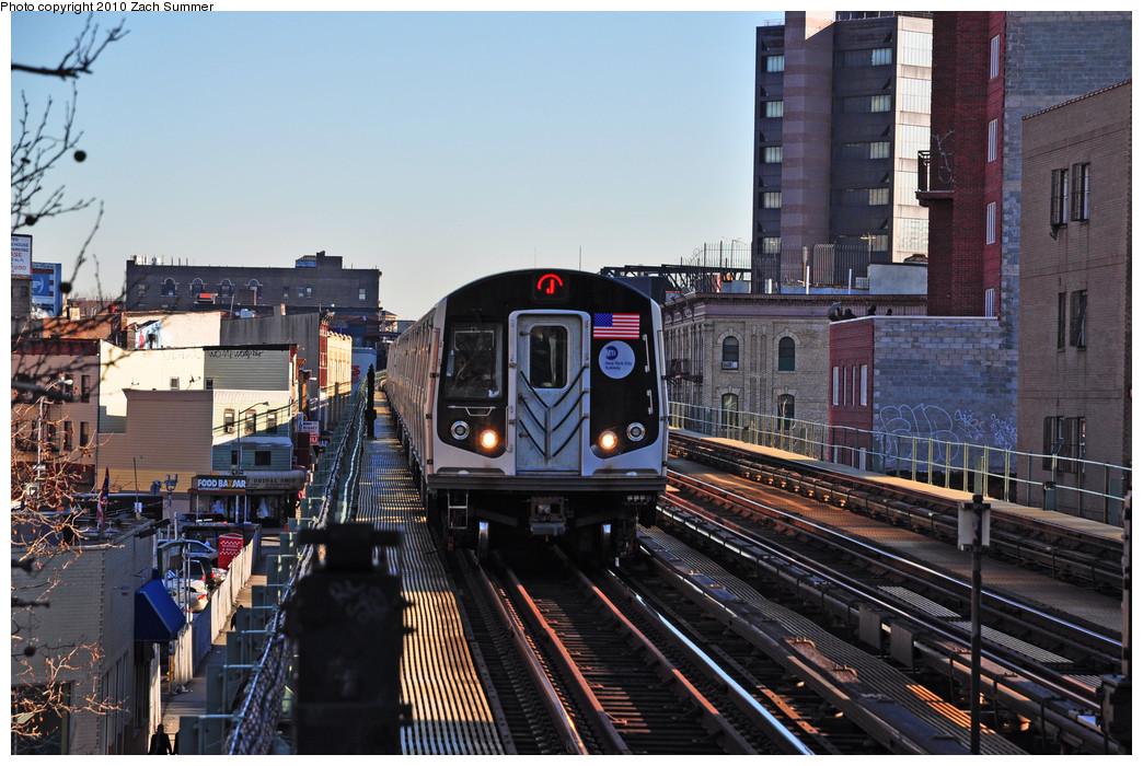 (289k, 1044x700)<br><b>Country:</b> United States<br><b>City:</b> New York<br><b>System:</b> New York City Transit<br><b>Line:</b> BMT Nassau Street/Jamaica Line<br><b>Location:</b> Lorimer Street <br><b>Route:</b> J<br><b>Car:</b> R-160A-1 (Alstom, 2005-2008, 4 car sets)  8524 <br><b>Photo by:</b> Zach Summer<br><b>Date:</b> 1/7/2010<br><b>Viewed (this week/total):</b> 1 / 958