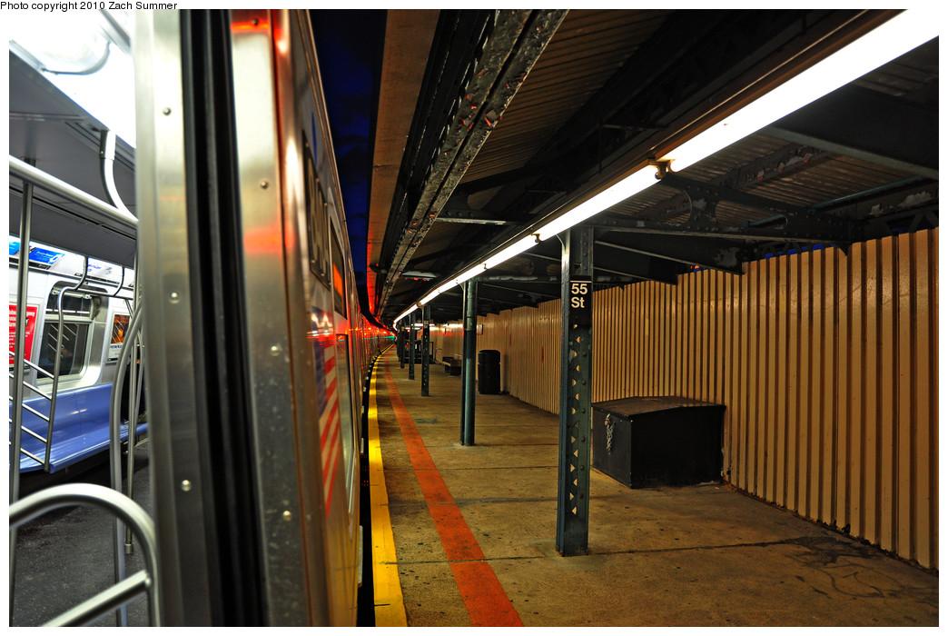 (266k, 1044x700)<br><b>Country:</b> United States<br><b>City:</b> New York<br><b>System:</b> New York City Transit<br><b>Line:</b> BMT West End Line<br><b>Location:</b> 55th Street <br><b>Route:</b> M<br><b>Car:</b> R-160A-1 (Alstom, 2005-2008, 4 car sets)  8404 <br><b>Photo by:</b> Zach Summer<br><b>Date:</b> 1/8/2010<br><b>Viewed (this week/total):</b> 1 / 944