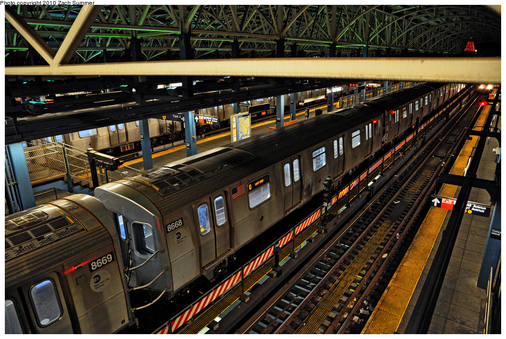 (397k, 1044x700)<br><b>Country:</b> United States<br><b>City:</b> New York<br><b>System:</b> New York City Transit<br><b>Location:</b> Coney Island/Stillwell Avenue<br><b>Route:</b> Q<br><b>Car:</b> R-160A-2 (Alstom, 2005-2008, 5 car sets)  8668 <br><b>Photo by:</b> Zach Summer<br><b>Date:</b> 1/8/2010<br><b>Viewed (this week/total):</b> 0 / 1433