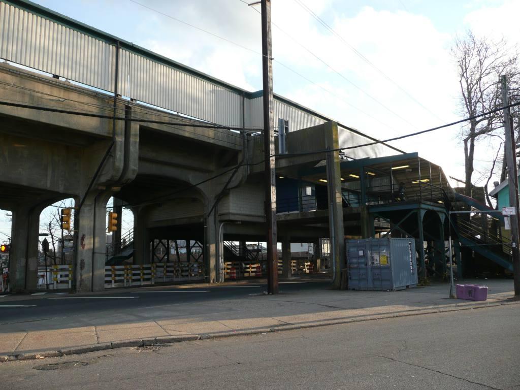 (128k, 1024x768)<br><b>Country:</b> United States<br><b>City:</b> New York<br><b>System:</b> New York City Transit<br><b>Line:</b> IND Rockaway<br><b>Location:</b> Beach 25th Street/Wavecrest <br><b>Photo by:</b> Robbie Rosenfeld<br><b>Date:</b> 1/26/2010<br><b>Notes:</b> View from street.<br><b>Viewed (this week/total):</b> 2 / 978