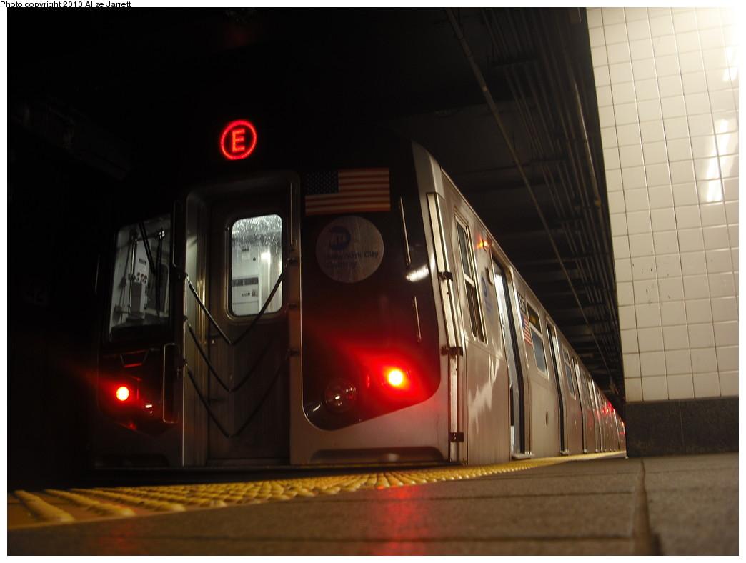 (136k, 1044x788)<br><b>Country:</b> United States<br><b>City:</b> New York<br><b>System:</b> New York City Transit<br><b>Line:</b> IND 6th Avenue Line<br><b>Location:</b> 42nd Street/Bryant Park <br><b>Route:</b> E reroute<br><b>Car:</b> R-160A (Option 1) (Alstom, 2008-2009, 5 car sets)  9287 <br><b>Photo by:</b> Alize Jarrett<br><b>Date:</b> 1/24/2010<br><b>Viewed (this week/total):</b> 0 / 1226