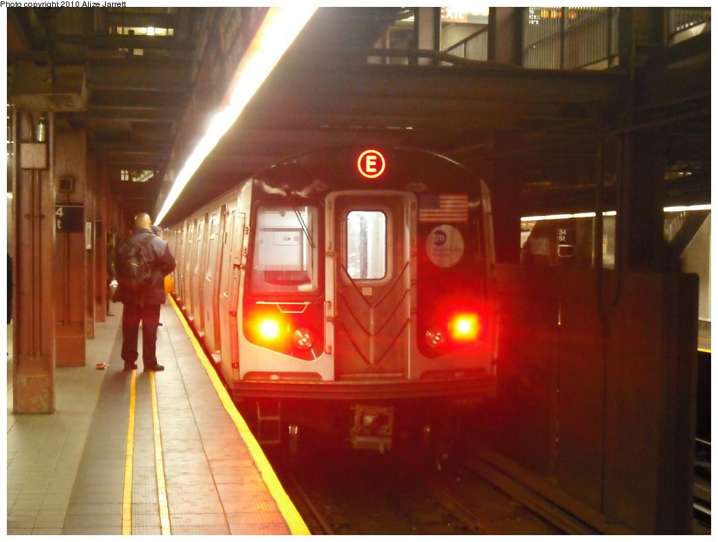 (177k, 1044x788)<br><b>Country:</b> United States<br><b>City:</b> New York<br><b>System:</b> New York City Transit<br><b>Line:</b> IND 6th Avenue Line<br><b>Location:</b> 34th Street/Herald Square <br><b>Route:</b> E reroute<br><b>Car:</b> R-160A (Option 1) (Alstom, 2008-2009, 5 car sets)   <br><b>Photo by:</b> Alize Jarrett<br><b>Date:</b> 1/24/2010<br><b>Viewed (this week/total):</b> 4 / 1434