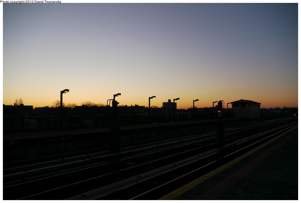 (93k, 1044x703)<br><b>Country:</b> United States<br><b>City:</b> New York<br><b>System:</b> New York City Transit<br><b>Line:</b> BMT Culver Line<br><b>Location:</b> Bay Parkway (22nd Avenue) <br><b>Photo by:</b> David Tropiansky<br><b>Date:</b> 1/23/2010<br><b>Notes:</b> Sunrise view.<br><b>Viewed (this week/total):</b> 0 / 520