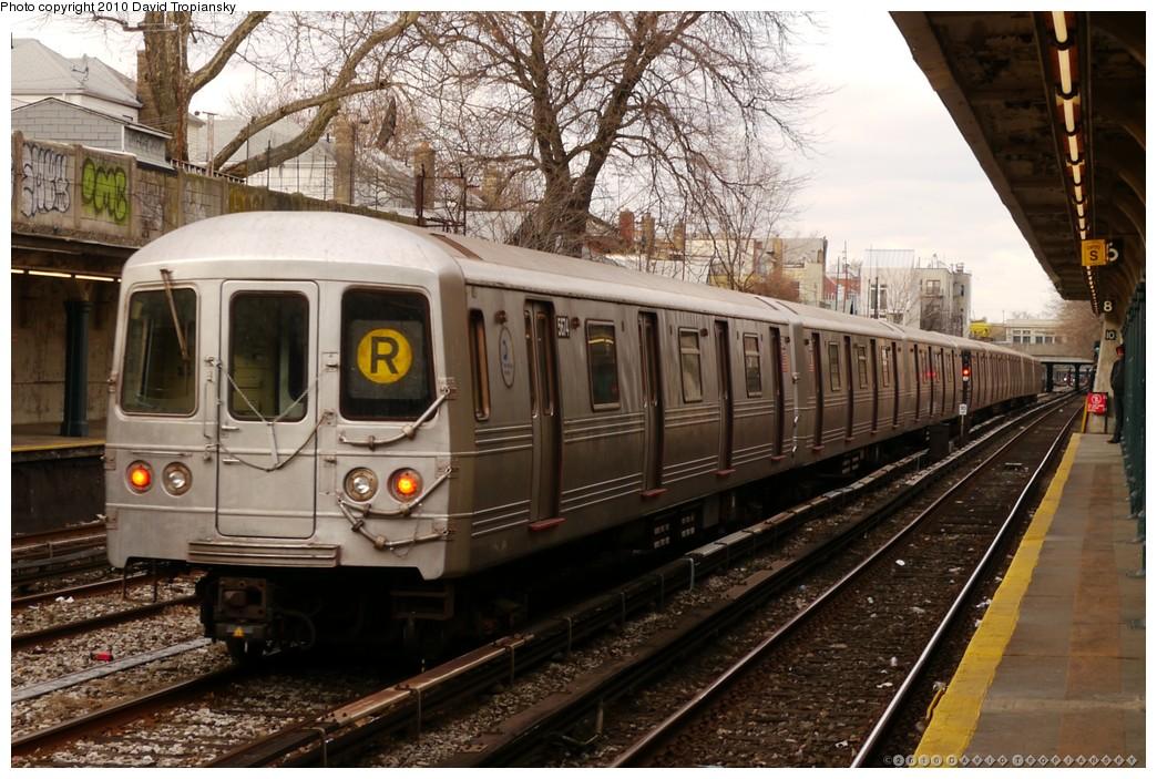 (240k, 1044x703)<br><b>Country:</b> United States<br><b>City:</b> New York<br><b>System:</b> New York City Transit<br><b>Line:</b> BMT Sea Beach Line<br><b>Location:</b> 86th Street <br><b>Route:</b> R put-in<br><b>Car:</b> R-46 (Pullman-Standard, 1974-75) 5674 <br><b>Photo by:</b> David Tropiansky<br><b>Date:</b> 1/27/2010<br><b>Viewed (this week/total):</b> 4 / 1207