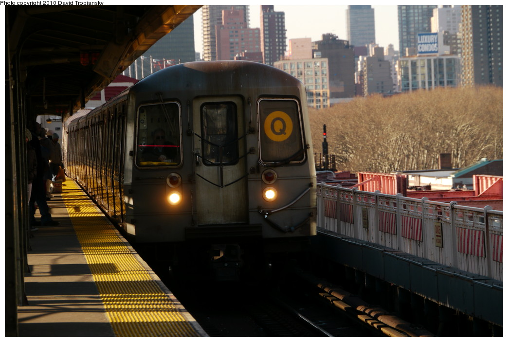 (197k, 1044x703)<br><b>Country:</b> United States<br><b>City:</b> New York<br><b>System:</b> New York City Transit<br><b>Line:</b> BMT Astoria Line<br><b>Location:</b> Queensborough Plaza <br><b>Route:</b> Q reroute<br><b>Car:</b> R-68A (Kawasaki, 1988-1989)  5074 <br><b>Photo by:</b> David Tropiansky<br><b>Date:</b> 1/31/2010<br><b>Viewed (this week/total):</b> 1 / 1321