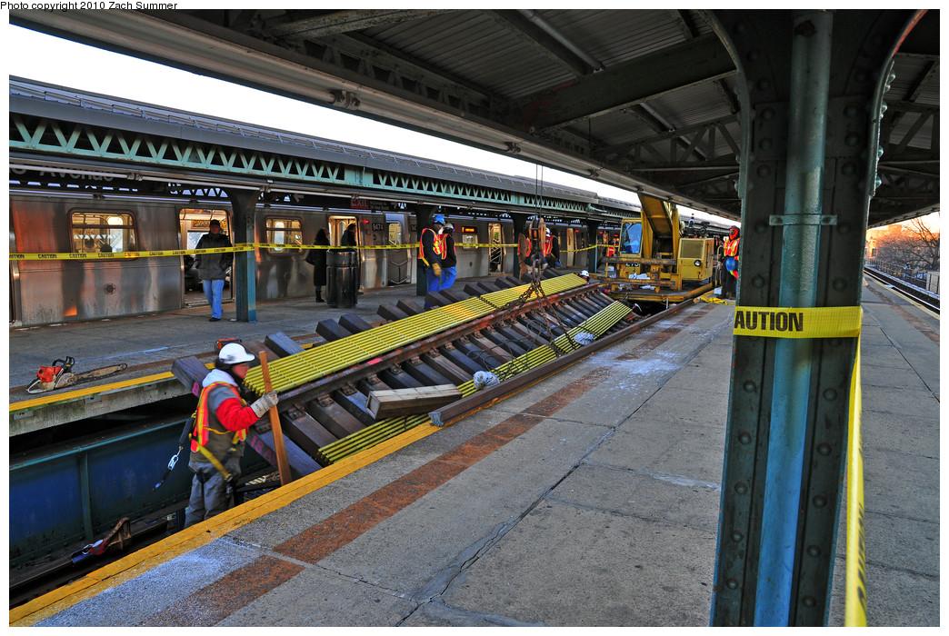 (329k, 1044x700)<br><b>Country:</b> United States<br><b>City:</b> New York<br><b>System:</b> New York City Transit<br><b>Line:</b> BMT Culver Line<br><b>Location:</b> 18th Avenue <br><b>Photo by:</b> Zach Summer<br><b>Date:</b> 1/9/2010<br><b>Notes:</b> Express track replacement<br><b>Viewed (this week/total):</b> 0 / 749