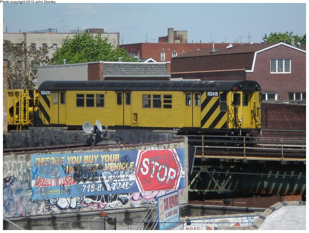 (277k, 1044x788)<br><b>Country:</b> United States<br><b>City:</b> New York<br><b>System:</b> New York City Transit<br><b>Line:</b> BMT Culver Line<br><b>Location:</b> Ditmas Avenue <br><b>Route:</b> Work Service<br><b>Car:</b> R-161 Rider Car (ex-R-33)  RD418 <br><b>Photo by:</b> John Dooley<br><b>Date:</b> 5/10/2009<br><b>Viewed (this week/total):</b> 2 / 856