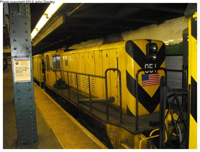 (110k, 686x520)<br><b>Country:</b> United States<br><b>City:</b> New York<br><b>System:</b> New York City Transit<br><b>Line:</b> IND 6th Avenue Line<br><b>Location:</b> West 4th Street/Washington Square <br><b>Route:</b> Work Service<br><b>Car:</b> R-37 Locomotive  51 <br><b>Photo by:</b> John Dooley<br><b>Date:</b> 2009<br><b>Viewed (this week/total):</b> 1 / 860