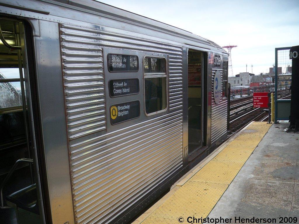 (209k, 1024x768)<br><b>Country:</b> United States<br><b>City:</b> New York<br><b>System:</b> New York City Transit<br><b>Line:</b> BMT Brighton Line<br><b>Location:</b> West 8th Street <br><b>Route:</b> Q<br><b>Car:</b> R-32 (Budd, 1964)  3726 <br><b>Photo by:</b> Christopher Henderson<br><b>Date:</b> 11/27/2009<br><b>Viewed (this week/total):</b> 2 / 2009