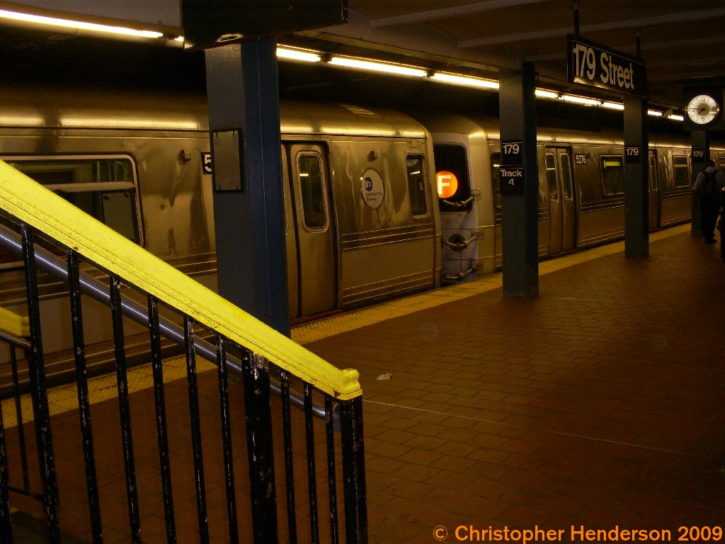 (145k, 1024x768)<br><b>Country:</b> United States<br><b>City:</b> New York<br><b>System:</b> New York City Transit<br><b>Line:</b> IND Queens Boulevard Line<br><b>Location:</b> 179th Street <br><b>Route:</b> F<br><b>Car:</b> R-44 (St. Louis, 1971-73) 5276 <br><b>Photo by:</b> Christopher Henderson<br><b>Date:</b> 7/25/2009<br><b>Notes:</b> Rare appearance of an R44 on Queens Blvd.<br><b>Viewed (this week/total):</b> 2 / 2784