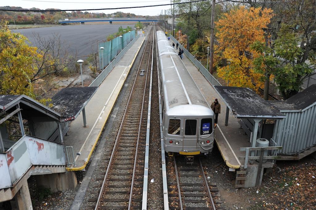 (357k, 1024x681)<br><b>Country:</b> United States<br><b>City:</b> New York<br><b>System:</b> New York City Transit<br><b>Line:</b> SIRT<br><b>Location:</b> Nassau <br><b>Car:</b> R-44 SIRT (St. Louis, 1971-1973) 388 <br><b>Photo by:</b> Richard Panse<br><b>Date:</b> 10/30/2009<br><b>Viewed (this week/total):</b> 1 / 1770
