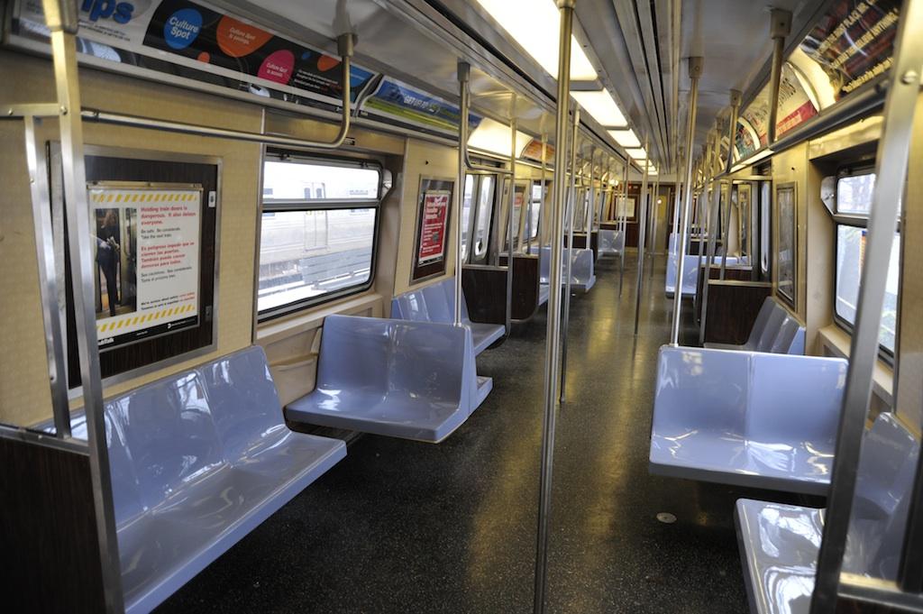 (244k, 1024x681)<br><b>Country:</b> United States<br><b>City:</b> New York<br><b>System:</b> New York City Transit<br><b>Line:</b> SIRT<br><b>Location:</b> Tottenville <br><b>Car:</b> R-44 SIRT (St. Louis, 1971-1973) 416 <br><b>Photo by:</b> Richard Panse<br><b>Date:</b> 10/30/2009<br><b>Viewed (this week/total):</b> 1 / 1690