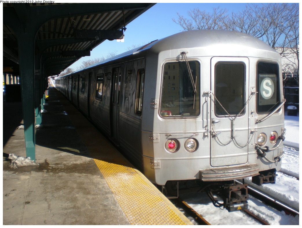 (238k, 1044x788)<br><b>Country:</b> United States<br><b>City:</b> New York<br><b>System:</b> New York City Transit<br><b>Line:</b> IND Rockaway<br><b>Location:</b> Rockaway Park/Beach 116th Street <br><b>Route:</b> S<br><b>Car:</b> R-46 (Pullman-Standard, 1974-75) 6158 <br><b>Photo by:</b> John Dooley<br><b>Date:</b> 2/12/2010<br><b>Viewed (this week/total):</b> 2 / 1532