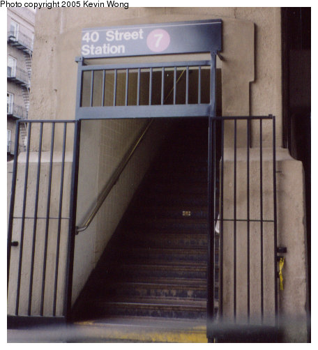 (56k, 456x502)<br><b>Country:</b> United States<br><b>City:</b> New York<br><b>System:</b> New York City Transit<br><b>Line:</b> IRT Flushing Line<br><b>Location:</b> 40th Street/Lowery Street <br><b>Photo by:</b> Kevin Wong<br><b>Date:</b> 4/20/2003<br><b>Notes:</b> Station entrance.<br><b>Viewed (this week/total):</b> 0 / 2345
