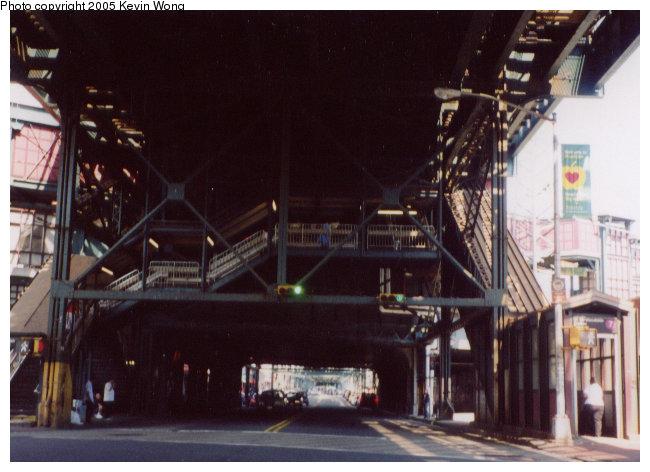 (81k, 650x472)<br><b>Country:</b> United States<br><b>City:</b> New York<br><b>System:</b> New York City Transit<br><b>Line:</b> IRT Flushing Line<br><b>Location:</b> 61st Street/Woodside <br><b>Photo by:</b> Kevin Wong<br><b>Date:</b> 8/2003<br><b>Notes:</b> Station entrance.<br><b>Viewed (this week/total):</b> 1 / 5918