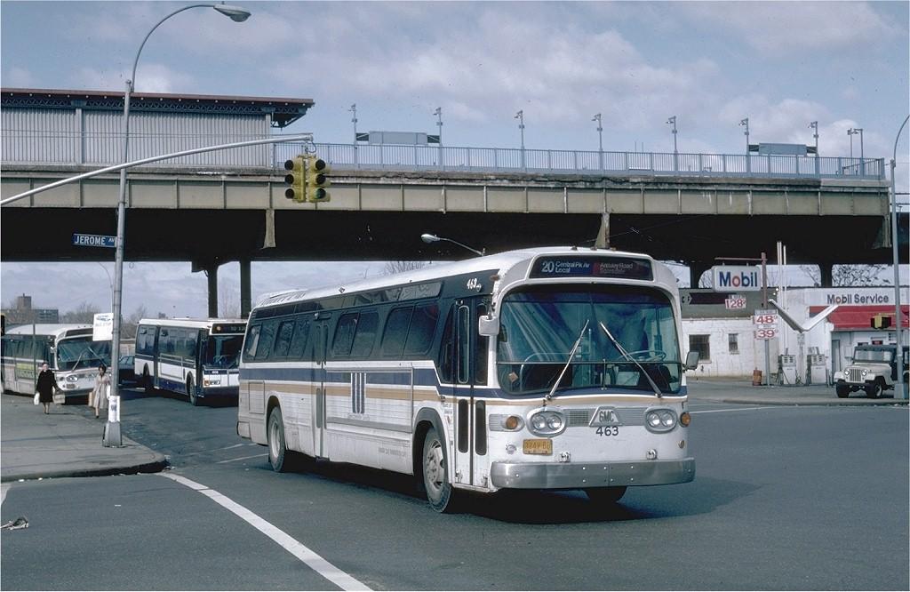 (188k, 1024x666)<br><b>Country:</b> United States<br><b>City:</b> New York<br><b>System:</b> New York City Transit<br><b>Line:</b> IRT Woodlawn Line<br><b>Location:</b> Bedford Park Boulevard <br><b>Photo by:</b> Steve Zabel<br><b>Collection of:</b> Joe Testagrose<br><b>Date:</b> 2/1982<br><b>Notes:</b> View of station with ClubTransportation bus #463 on Rt. 20<br><b>Viewed (this week/total):</b> 0 / 2325