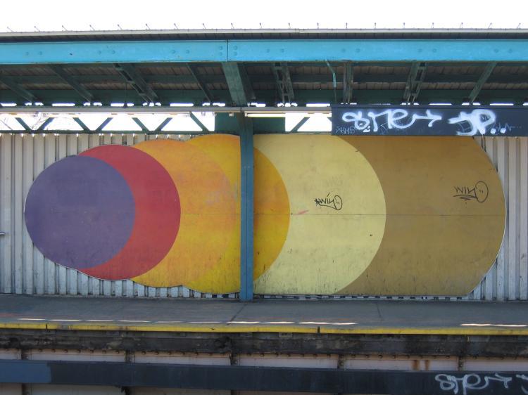 (56k, 750x562)<br><b>Country:</b> United States<br><b>City:</b> New York<br><b>System:</b> New York City Transit<br><b>Line:</b> BMT Nassau Street/Jamaica Line<br><b>Location:</b> 102nd-104th Streets <br><b>Photo by:</b> Robbie Rosenfeld<br><b>Date:</b> 3/14/2005<br><b>Viewed (this week/total):</b> 2 / 2288