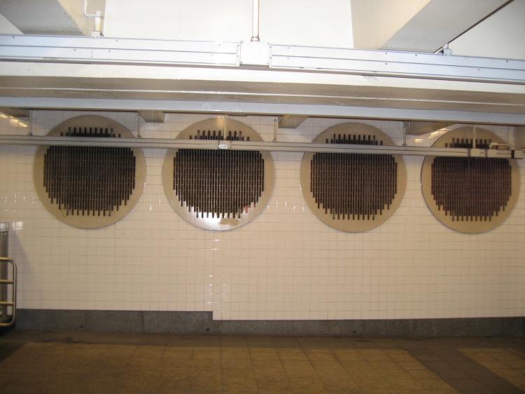 (50k, 750x562)<br><b>Country:</b> United States<br><b>City:</b> New York<br><b>System:</b> New York City Transit<br><b>Line:</b> IND 8th Avenue Line<br><b>Location:</b> 42nd Street/Port Authority Bus Terminal <br><b>Photo by:</b> Robbie Rosenfeld<br><b>Date:</b> 1/24/2005<br><b>Viewed (this week/total):</b> 0 / 4945