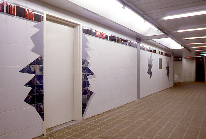 (229k, 680x460)<br><b>Country:</b> United States<br><b>City:</b> New York<br><b>System:</b> New York City Transit<br><b>Line:</b> IRT East Side Line<br><b>Location:</b> 51st Street <br><b>Collection of:</b> Nina Yankowitz<br><b>Date:</b> 11/2/2006<br><b>Artwork:</b> <i>Tunnel Vision</i>, Nina Yankowitz (1989).<br><b>Viewed (this week/total):</b> 1 / 1365