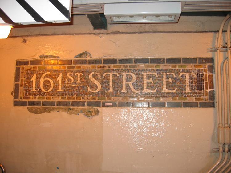 (65k, 750x562)<br><b>Country:</b> United States<br><b>City:</b> New York<br><b>System:</b> New York City Transit<br><b>Line:</b> IRT Woodlawn Line<br><b>Location:</b> 161st Street/River Avenue (Yankee Stadium) <br><b>Photo by:</b> Robbie Rosenfeld<br><b>Date:</b> 3/1/2005<br><b>Viewed (this week/total):</b> 0 / 1851