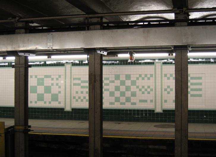 (59k, 727x529)<br><b>Country:</b> United States<br><b>City:</b> New York<br><b>System:</b> New York City Transit<br><b>Line:</b> IND Crosstown Line<br><b>Location:</b> Bergen Street <br><b>Photo by:</b> Robbie Rosenfeld<br><b>Date:</b> 3/21/2005<br><b>Viewed (this week/total):</b> 0 / 4927