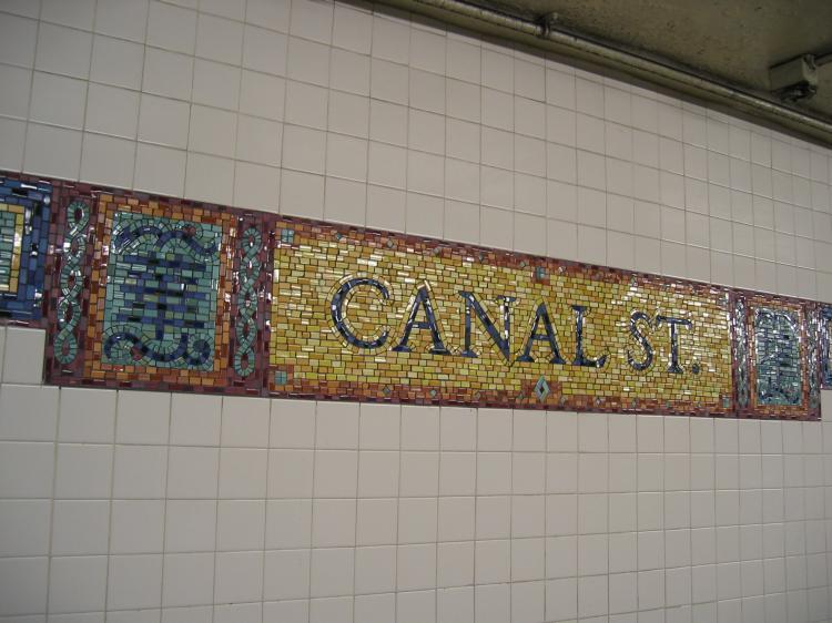 (65k, 750x562)<br><b>Country:</b> United States<br><b>City:</b> New York<br><b>System:</b> New York City Transit<br><b>Line:</b> BMT Broadway Line<br><b>Location:</b> Canal Street <br><b>Photo by:</b> Robbie Rosenfeld<br><b>Date:</b> 3/1/2005<br><b>Viewed (this week/total):</b> 0 / 2768