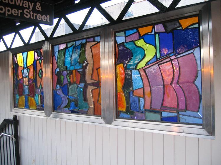 (81k, 750x562)<br><b>Country:</b> United States<br><b>City:</b> New York<br><b>System:</b> New York City Transit<br><b>Line:</b> BMT Nassau Street/Jamaica Line<br><b>Location:</b> Hewes Street <br><b>Photo by:</b> Robbie Rosenfeld<br><b>Date:</b> 3/14/2005<br><b>Artwork:</b> <i>El in 16 Notes</i>, Mara Held.<br><b>Viewed (this week/total):</b> 4 / 2649
