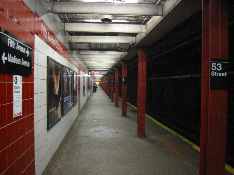 (87k, 800x600)<br><b>Country:</b> United States<br><b>City:</b> New York<br><b>System:</b> New York City Transit<br><b>Line:</b> IND Queens Boulevard Line<br><b>Location:</b> 5th Avenue/53rd Street <br><b>Photo by:</b> Brian Weinberg<br><b>Date:</b> 4/1/2005<br><b>Notes:</b> Lower level<br><b>Viewed (this week/total):</b> 1 / 2977