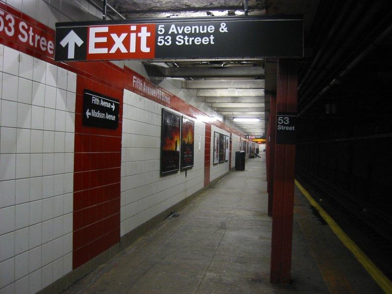 (77k, 800x600)<br><b>Country:</b> United States<br><b>City:</b> New York<br><b>System:</b> New York City Transit<br><b>Line:</b> IND Queens Boulevard Line<br><b>Location:</b> 5th Avenue/53rd Street <br><b>Photo by:</b> Brian Weinberg<br><b>Date:</b> 4/1/2005<br><b>Notes:</b> Lower level<br><b>Viewed (this week/total):</b> 1 / 2399