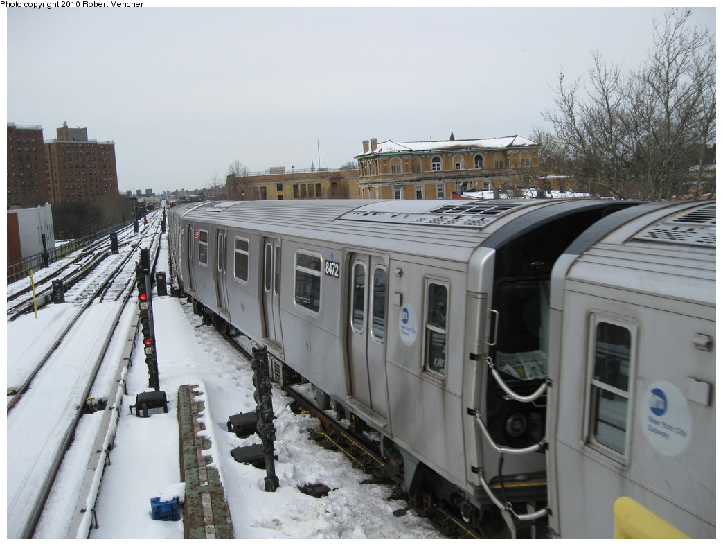 (208k, 1044x788)<br><b>Country:</b> United States<br><b>City:</b> New York<br><b>System:</b> New York City Transit<br><b>Line:</b> BMT Nassau Street/Jamaica Line<br><b>Location:</b> Broadway/East New York (Broadway Junction) <br><b>Route:</b> J<br><b>Car:</b> R-160A-1 (Alstom, 2005-2008, 4 car sets)  8472 <br><b>Photo by:</b> Robert Mencher<br><b>Date:</b> 2/13/2010<br><b>Viewed (this week/total):</b> 0 / 859