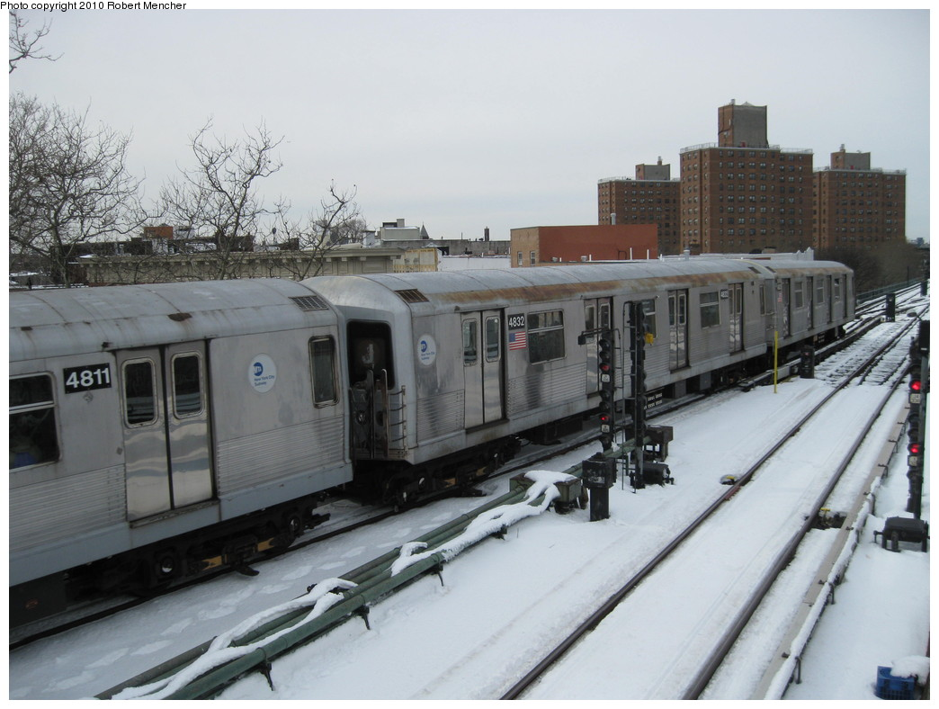 (197k, 1044x788)<br><b>Country:</b> United States<br><b>City:</b> New York<br><b>System:</b> New York City Transit<br><b>Line:</b> BMT Nassau Street/Jamaica Line<br><b>Location:</b> Broadway/East New York (Broadway Junction) <br><b>Route:</b> J<br><b>Car:</b> R-42 (St. Louis, 1969-1970)  4832 <br><b>Photo by:</b> Robert Mencher<br><b>Date:</b> 2/13/2010<br><b>Viewed (this week/total):</b> 1 / 852