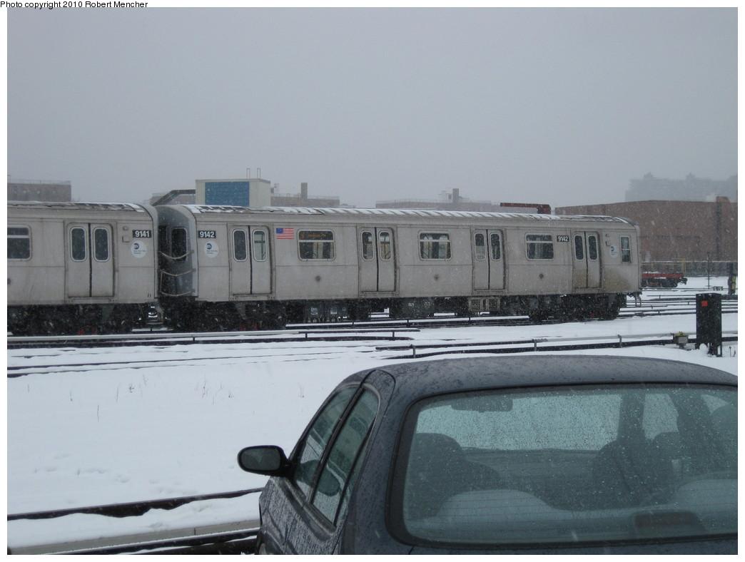 (168k, 1044x788)<br><b>Country:</b> United States<br><b>City:</b> New York<br><b>System:</b> New York City Transit<br><b>Location:</b> Coney Island Yard<br><b>Car:</b> R-160B (Option 1) (Kawasaki, 2008-2009)  9142 <br><b>Photo by:</b> Robert Mencher<br><b>Date:</b> 2/16/2010<br><b>Viewed (this week/total):</b> 0 / 698