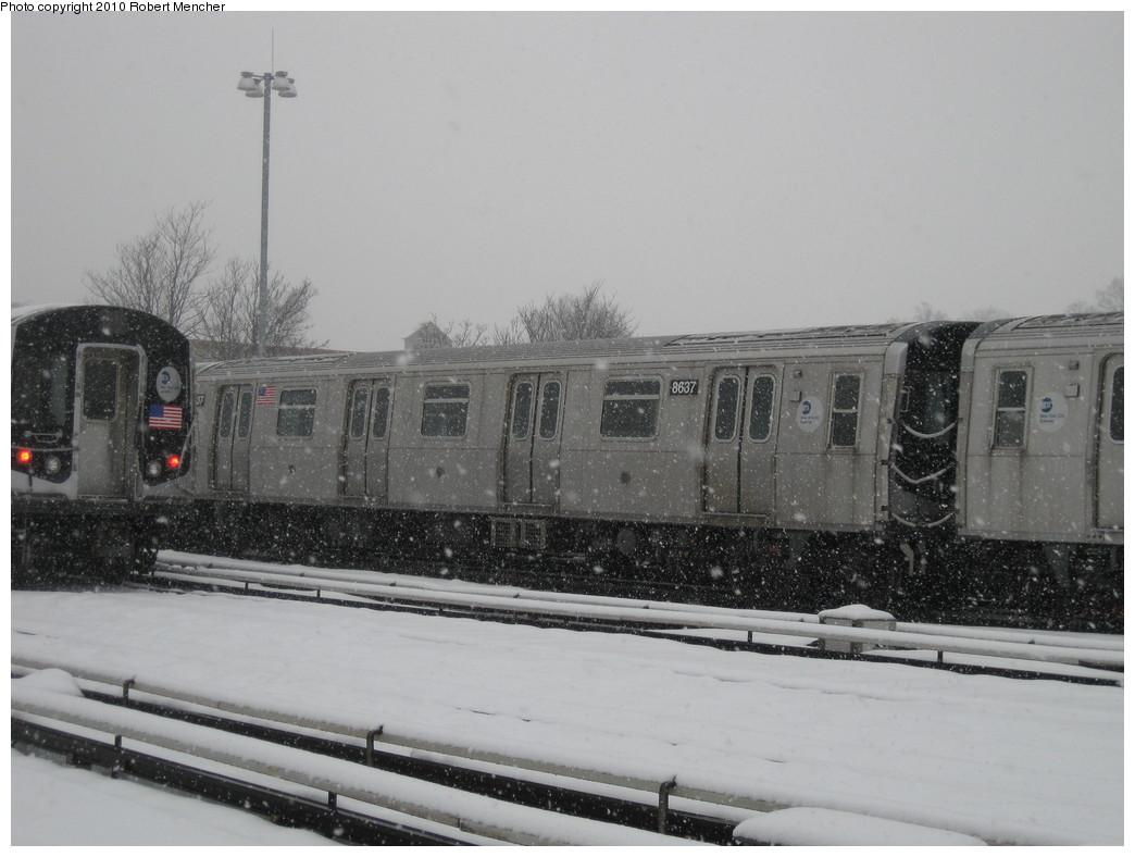 (178k, 1044x788)<br><b>Country:</b> United States<br><b>City:</b> New York<br><b>System:</b> New York City Transit<br><b>Location:</b> East New York Yard/Shops<br><b>Car:</b> R-160A-1 (Alstom, 2005-2008, 4 car sets)  8637 <br><b>Photo by:</b> Robert Mencher<br><b>Date:</b> 2/16/2010<br><b>Viewed (this week/total):</b> 3 / 621