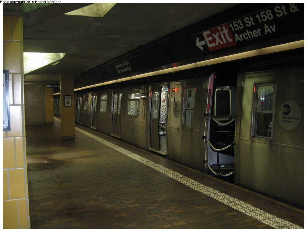 (203k, 1044x788)<br><b>Country:</b> United States<br><b>City:</b> New York<br><b>System:</b> New York City Transit<br><b>Line:</b> BMT Nassau Street/Jamaica Line<br><b>Location:</b> Jamaica Center/Parsons-Archer <br><b>Route:</b> J<br><b>Car:</b> R-160A-1 (Alstom, 2005-2008, 4 car sets)  8580 <br><b>Photo by:</b> Robert Mencher<br><b>Date:</b> 2/16/2010<br><b>Viewed (this week/total):</b> 1 / 762