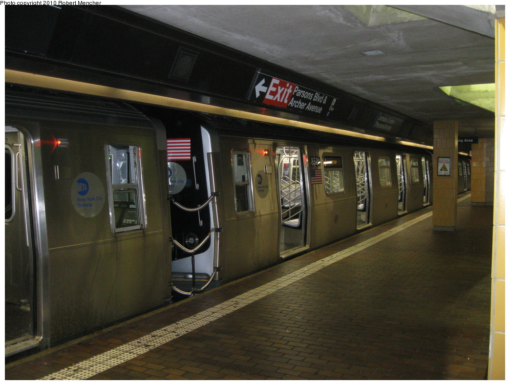 (211k, 1044x788)<br><b>Country:</b> United States<br><b>City:</b> New York<br><b>System:</b> New York City Transit<br><b>Line:</b> BMT Nassau Street/Jamaica Line<br><b>Location:</b> Jamaica Center/Parsons-Archer <br><b>Route:</b> J<br><b>Car:</b> R-160A-1 (Alstom, 2005-2008, 4 car sets)  8581 <br><b>Photo by:</b> Robert Mencher<br><b>Date:</b> 2/16/2010<br><b>Viewed (this week/total):</b> 0 / 973
