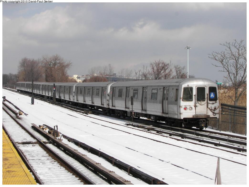 (250k, 1044x788)<br><b>Country:</b> United States<br><b>City:</b> New York<br><b>System:</b> New York City Transit<br><b>Line:</b> IND Rockaway<br><b>Location:</b> Howard Beach <br><b>Route:</b> A<br><b>Car:</b> R-44 (St. Louis, 1971-73) 5258 <br><b>Photo by:</b> David-Paul Gerber<br><b>Date:</b> 2/28/2010<br><b>Viewed (this week/total):</b> 1 / 1108