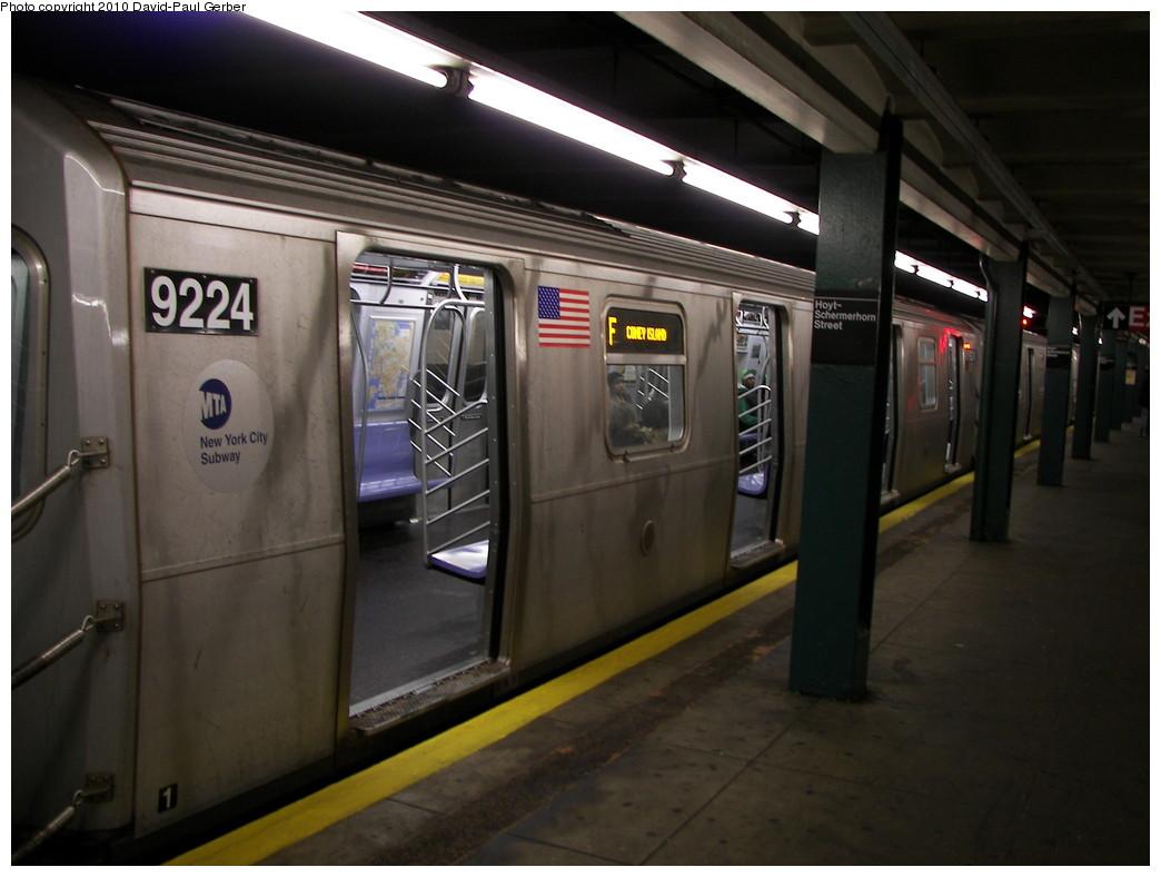 (222k, 1044x788)<br><b>Country:</b> United States<br><b>City:</b> New York<br><b>System:</b> New York City Transit<br><b>Line:</b> IND Fulton Street Line<br><b>Location:</b> Hoyt-Schermerhorn Street <br><b>Route:</b> F reroute<br><b>Car:</b> R-160B (Option 1) (Kawasaki, 2008-2009)  9224 <br><b>Photo by:</b> David-Paul Gerber<br><b>Date:</b> 2/28/2010<br><b>Viewed (this week/total):</b> 1 / 1856