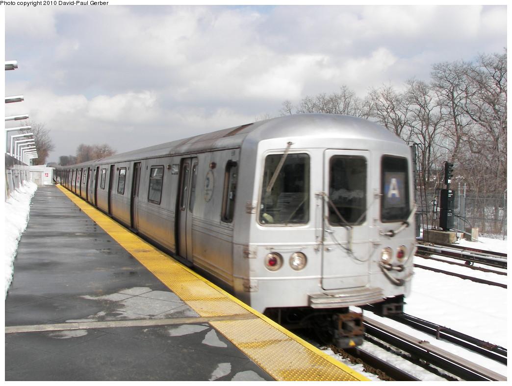 (254k, 1044x788)<br><b>Country:</b> United States<br><b>City:</b> New York<br><b>System:</b> New York City Transit<br><b>Line:</b> IND Rockaway<br><b>Location:</b> Howard Beach <br><b>Route:</b> A<br><b>Car:</b> R-46 (Pullman-Standard, 1974-75) 5544 <br><b>Photo by:</b> David-Paul Gerber<br><b>Date:</b> 2/28/2010<br><b>Viewed (this week/total):</b> 1 / 1252