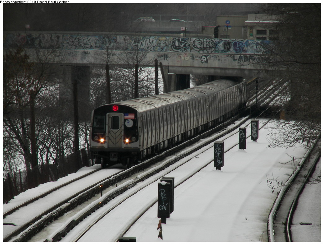 (277k, 1044x788)<br><b>Country:</b> United States<br><b>City:</b> New York<br><b>System:</b> New York City Transit<br><b>Line:</b> BMT Sea Beach Line<br><b>Location:</b> 8th Avenue <br><b>Route:</b> N<br><b>Photo by:</b> David-Paul Gerber<br><b>Date:</b> 2/28/2010<br><b>Viewed (this week/total):</b> 0 / 1172