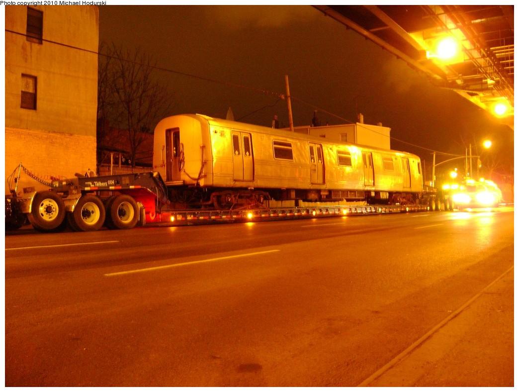 (208k, 1044x788)<br><b>Country:</b> United States<br><b>City:</b> New York<br><b>System:</b> New York City Transit<br><b>Line:</b> South Brooklyn Railway<br><b>Location:</b> 3rd Avenue/38th St Crossing (Gowanus) (SBK)<br><b>Car:</b> R-44 SIRT (St. Louis, 1971-1973) 432 <br><b>Photo by:</b> Michael Hodurski<br><b>Date:</b> 3/2/2010<br><b>Viewed (this week/total):</b> 0 / 1058