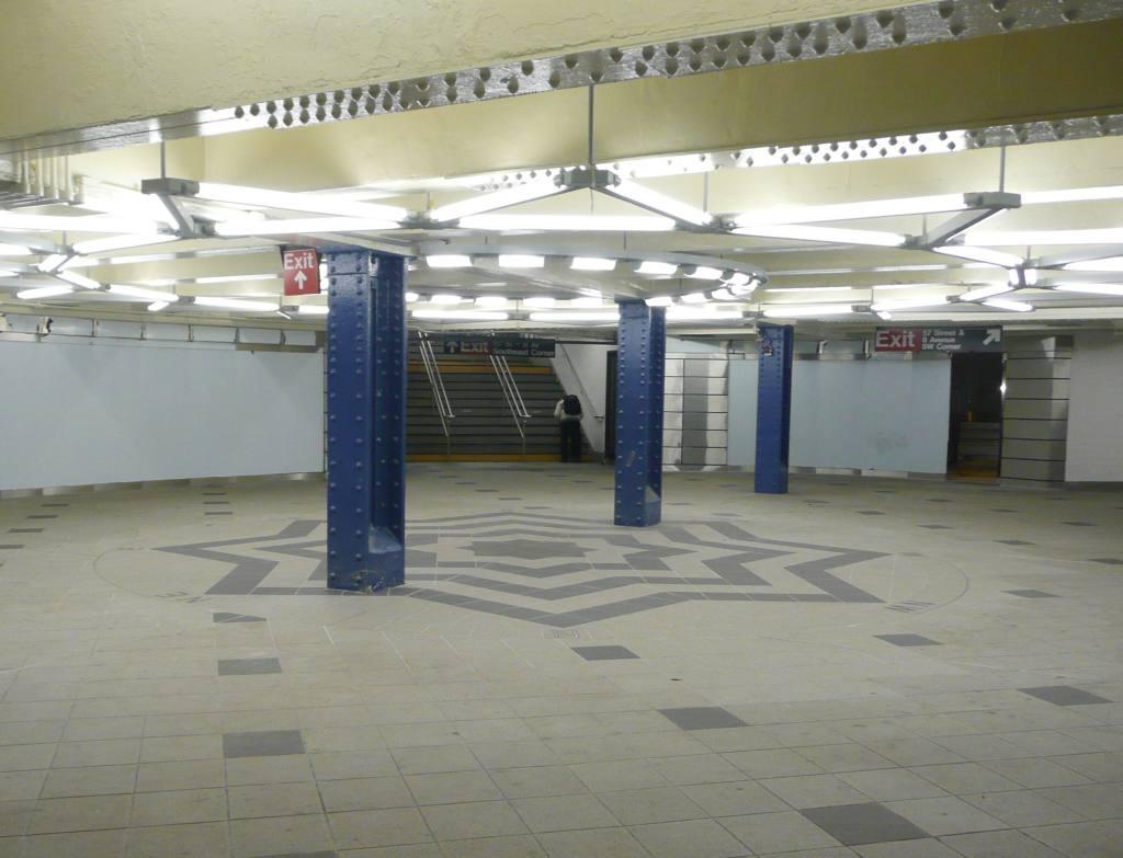 (81k, 1024x783)<br><b>Country:</b> United States<br><b>City:</b> New York<br><b>System:</b> New York City Transit<br><b>Line:</b> IND 8th Avenue Line<br><b>Location:</b> 59th Street/Columbus Circle <br><b>Photo by:</b> Robbie Rosenfeld<br><b>Date:</b> 3/2/2010<br><b>Viewed (this week/total):</b> 0 / 1213